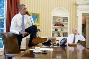 obama foot on desk no sole