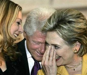clintons-yucking-it-up2